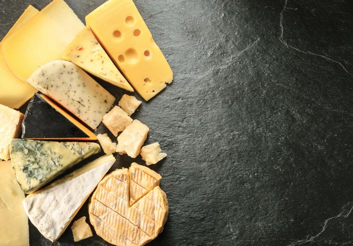 As 6 melhores harmonizações entre queijo e vinho