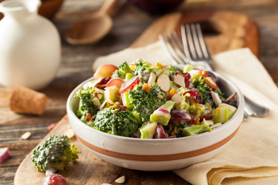 Salada agridoce com Brócolis, Cogumelos e Bacon