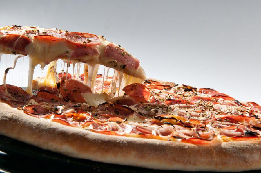 Pizza portuguesa: a receita para seu jantar de domingo